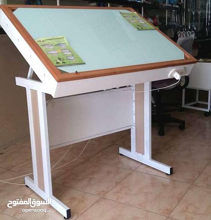 طاولات رسم هندسي