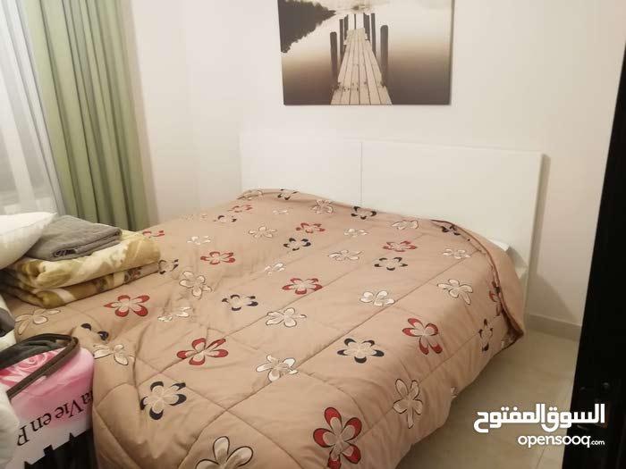شقة للايجار في عبدون مميزة جدا * للايجار اليومي و الشهري * فخمة جدا