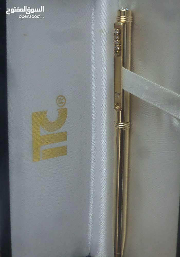 قلم جاف ذهبى اللون ITC  مرصع بفصوص
