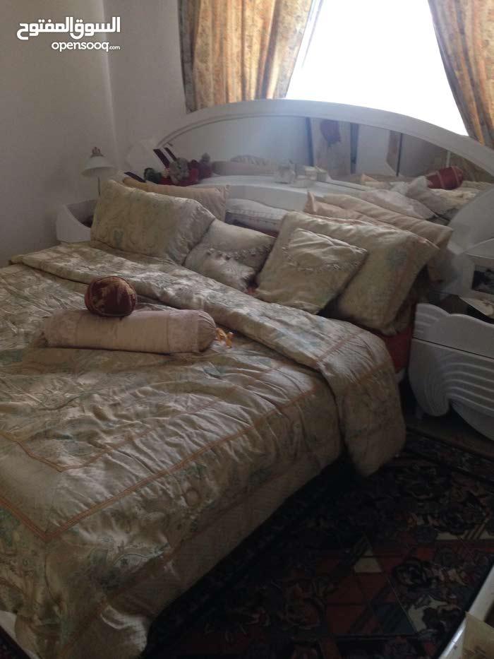 غرفة نوم حجم ( king size )