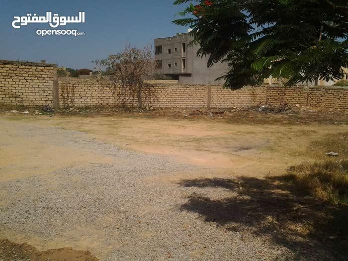 قطعة ارض للبيع 500م في طريق الشوك بسوم ممتاز