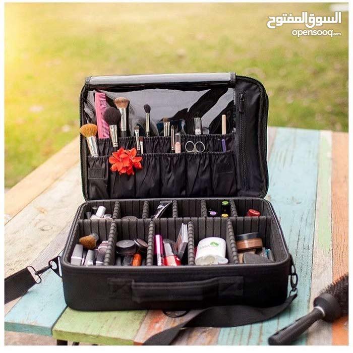 شنطة لتنظيم مستخضرات التجميل و المكياج و متعددة الاستخدامات