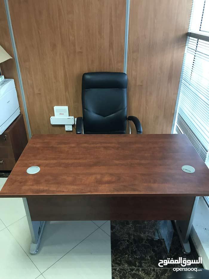 فرش مكتب بحاله ممتازه للبيع