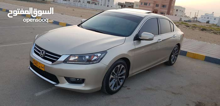 Used condition Honda Accord 2015 with 1 - 9,999 km mileage