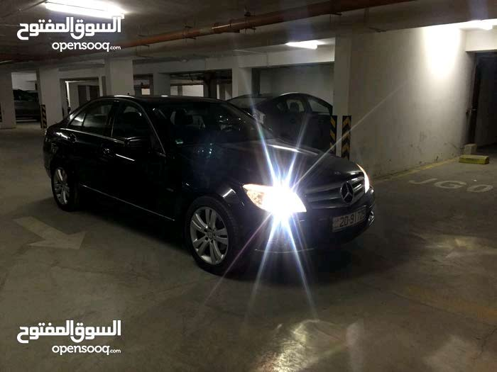 Mercedes Benz C 180 2011 For sale - Black color