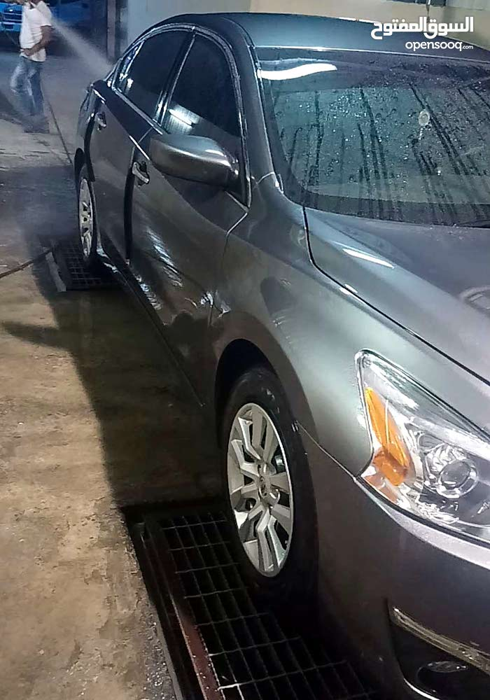 Nissan Altima 2015 For sale - Grey color