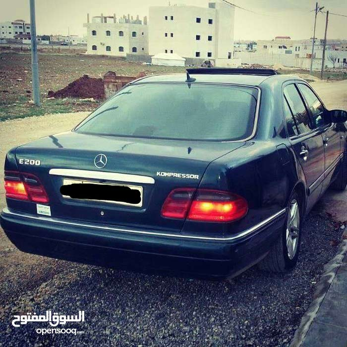 Automatic Green Mercedes Benz 1996 for sale