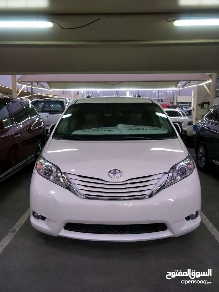 Toyota Siena car for sale 2015 in Muscat city
