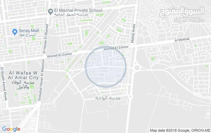 على الشارع الرئيسى ش صقر قريش الحى العاشر