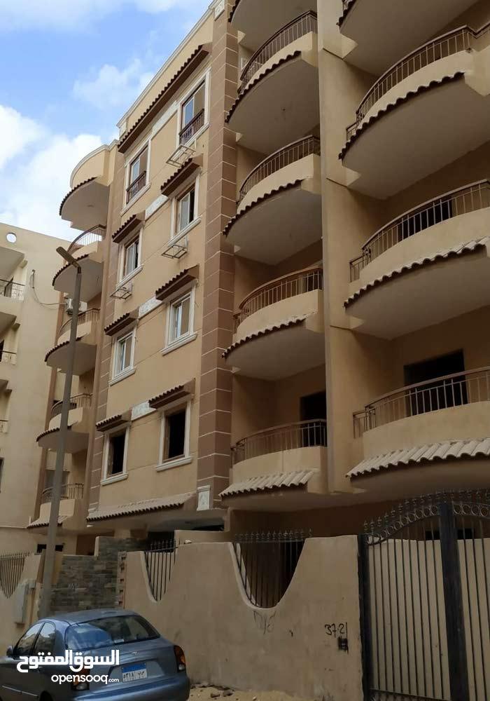 للبيع شقة متميزة جدا بأرقى مناطق حدائق الاهرام وبتسهيلات فى السداد