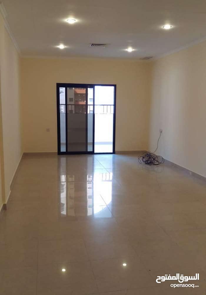 للايجار شقة كبيره في الشعب البحري غرفتين 4×4 وصالة 4×8 ومطبخ كبير