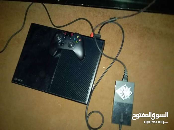 xbox one للبيع او التبديل بي جهاز ps4