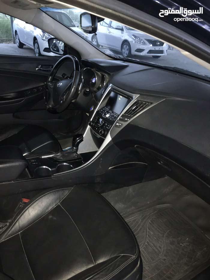 Used condition Hyundai Sonata 2013 with 1 - 9,999 km mileage