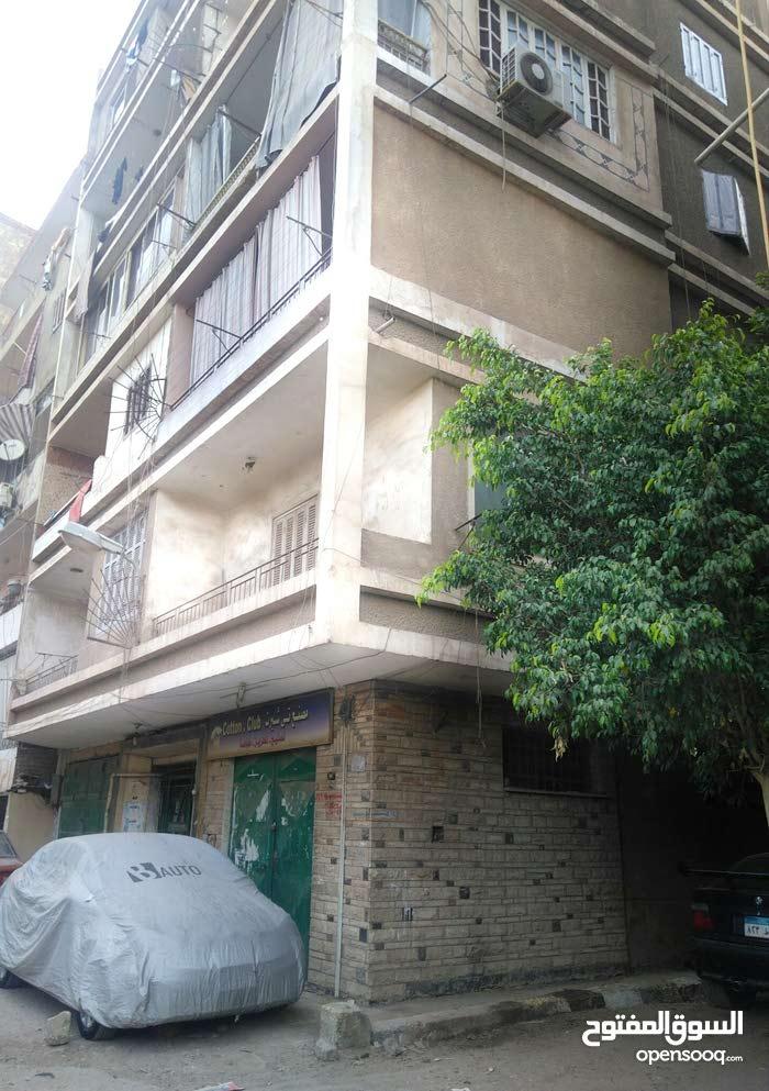 شقة بموقع مميز جدا من  عبد العزيز عبد الدايم من احمد عصمت عمارة جيدة جدا و تتميز بالهدوء الخصوصية