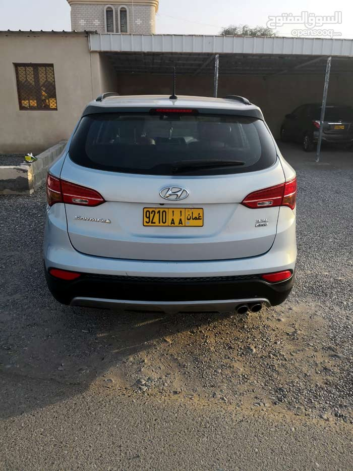 2013 Used Santa Fe with Automatic transmission is available for sale