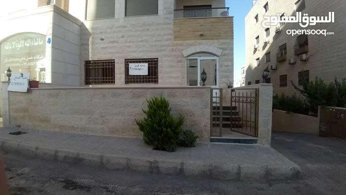شقة 229م للبيع خلف مدارس الاتحاد البنات