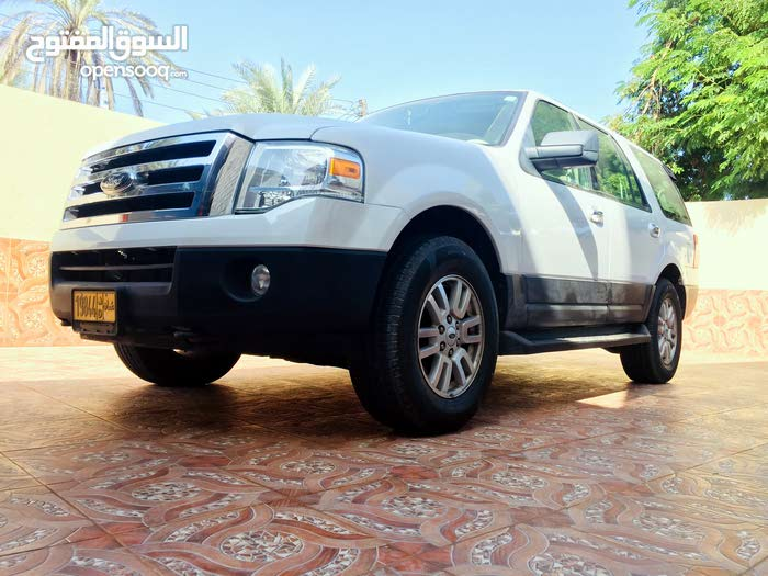 White Ford Expedition 2012 for sale