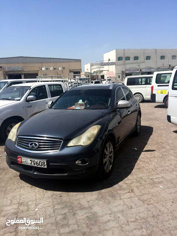 Used Infiniti EX25 for sale in Abu Dhabi