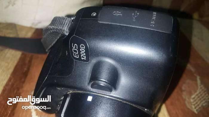كاميرا كانون 1200d للبيع بدون شاحن