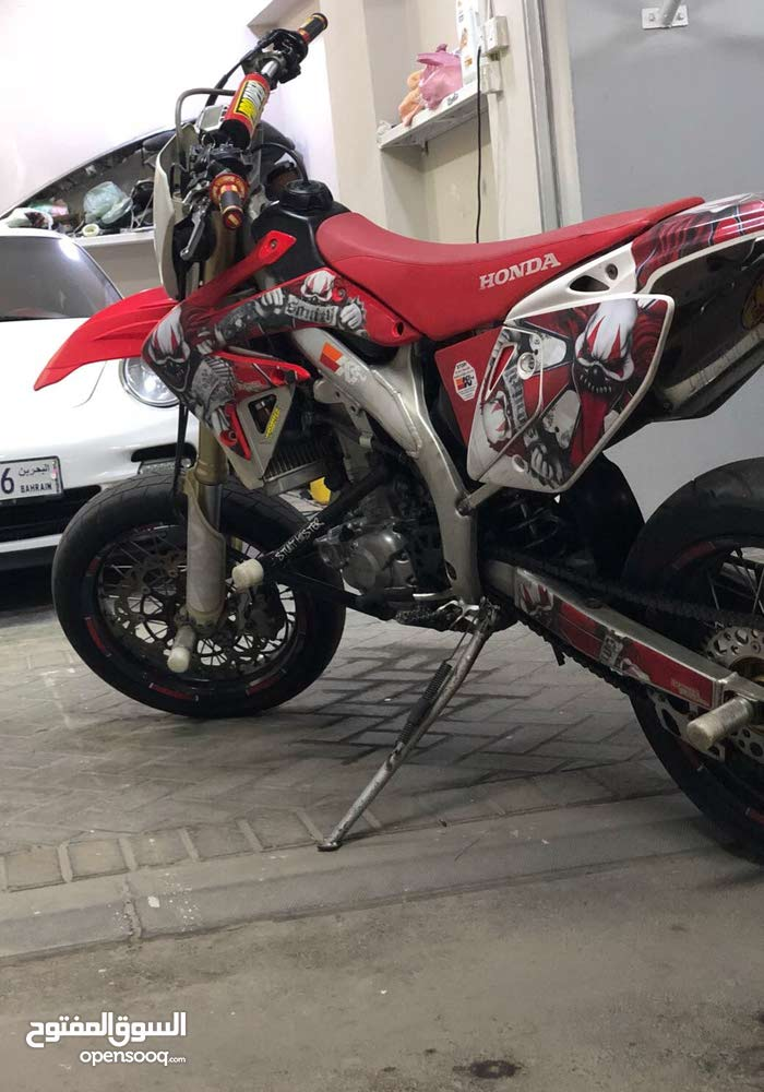 Used Honda motorbike up for sale in Central Governorate
