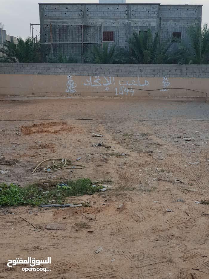 قطعه ارض للبيع مساحه 690متر الكائنه في طريق صلاح الدين شارع صيدليه موسي مصوره من