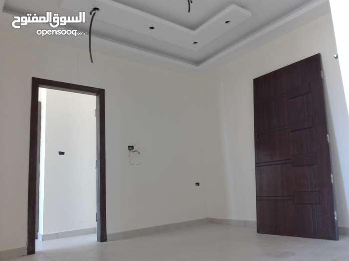 شقة للبيع بالأقساط  B1-يسار في مرج الحمام (( قرب مخفر الشرطة +دوار معبهرة))
