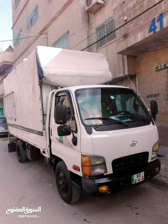 Used condition Hyundai Mighty 2000 with +200,000 km mileage