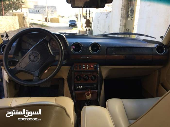 Used Mercedes Benz E 200 in Tafila