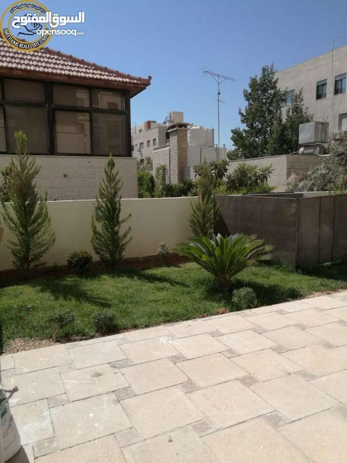 شقة مميزة للبيع في الامير راشد 150م مع حديقة وترسات 100م تشطيب سوبر ديلوكس لم تسكن