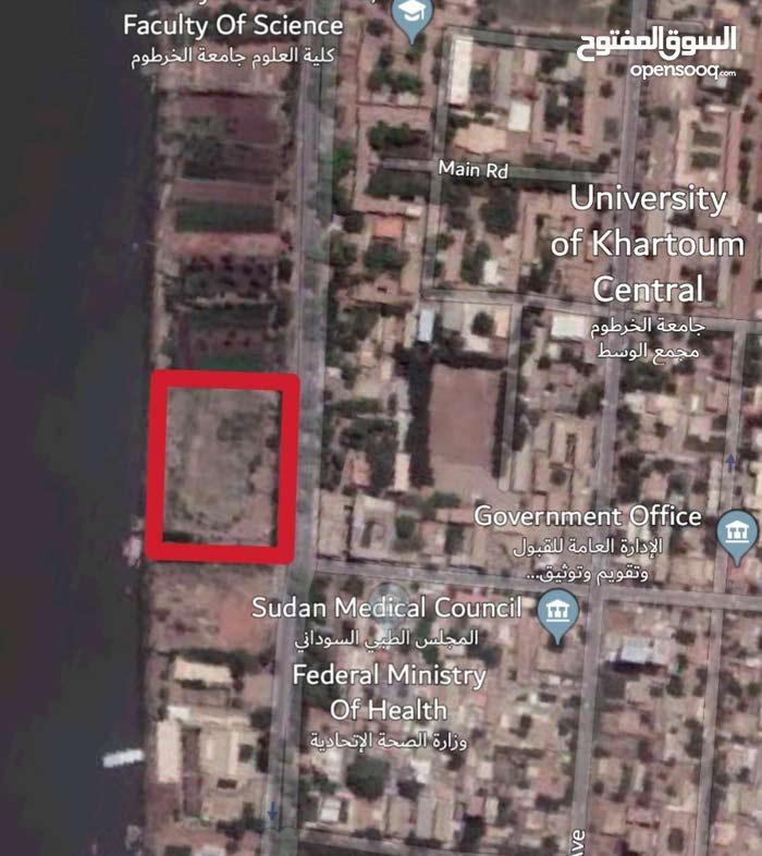 للبيع قطعة أرض بشارع النيل جوار مطعم فينيسيا