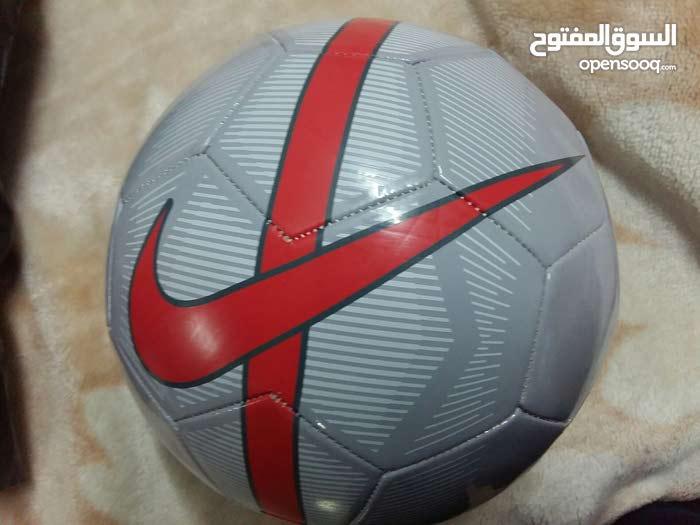 كرة قدم جميلة جدا من ماركة نايك