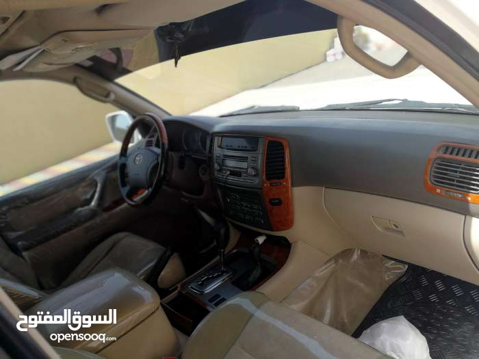 Used condition Toyota Land Cruiser 2005 with 10,000 - 19,999 km mileage