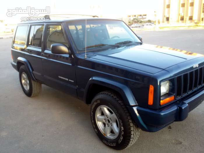 Automatic Blue Jeep 2000 for sale