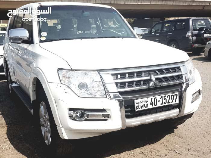 White Mitsubishi Pajero 2016 for sale