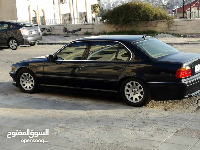 BMW750li مميزة جدا للبيع او البدل