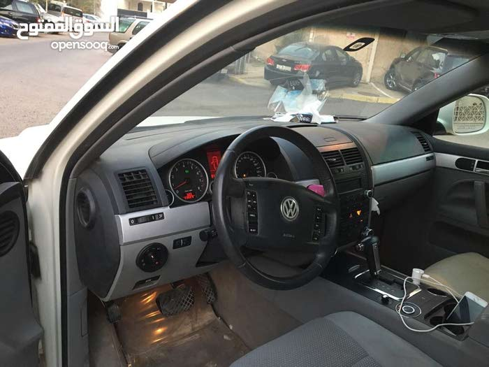 Used condition Volkswagen Touareg 2010 with 10,000 - 19,999 km mileage