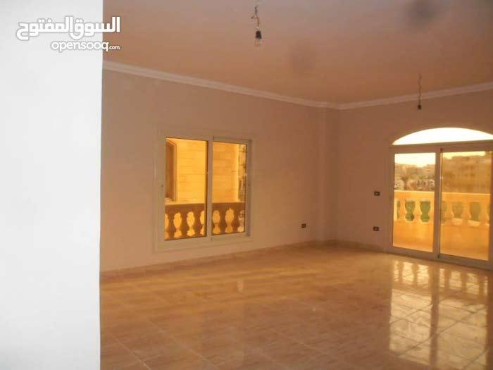 فرصة شقة للايجار 200م  خلف مطعم جاد عباس العقاد مدينة نصر
