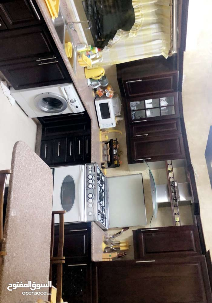 Rajm Amesh neighborhood Amman city - 160 sqm apartment for rent