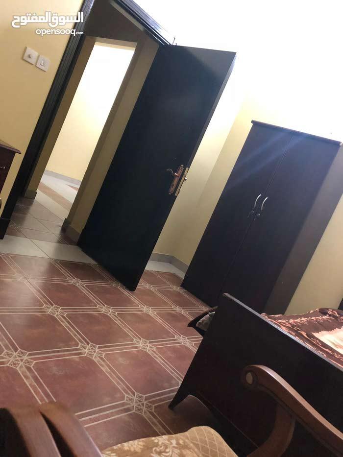 للبيع اثاث مستعمل مكيفات مع غرفة نوم وفرن