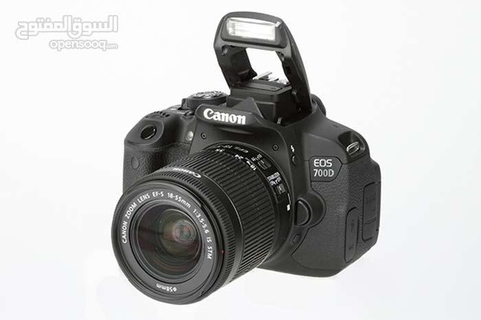 كاميرا Canon eos 700d بحالة اكثر من ممتازة