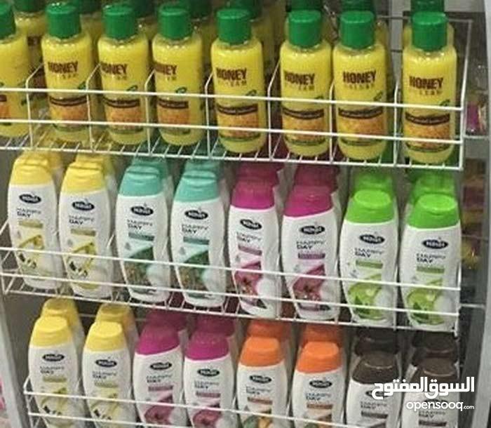 مواد تنظيف متنوعه شامبو و صابون و شامبو اطفال تبلغ 271000 الاف قطعه البيع علي بع