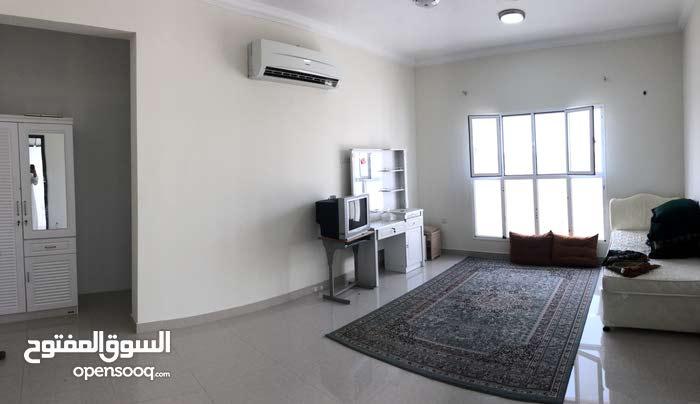 غرف وملاحق خلف عمانتل للموظفات بدون مشرفة