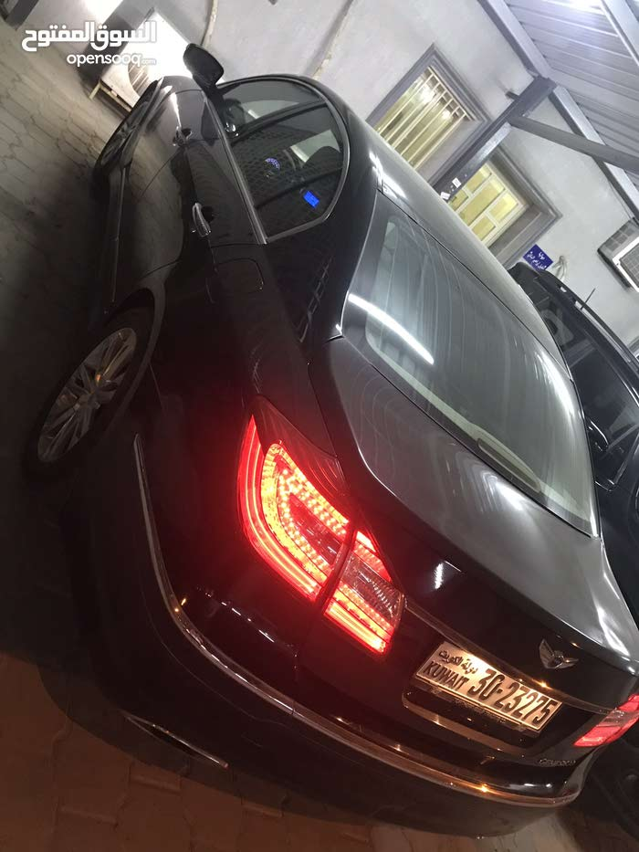 Hyundai Genesis 2014 For sale - Black color