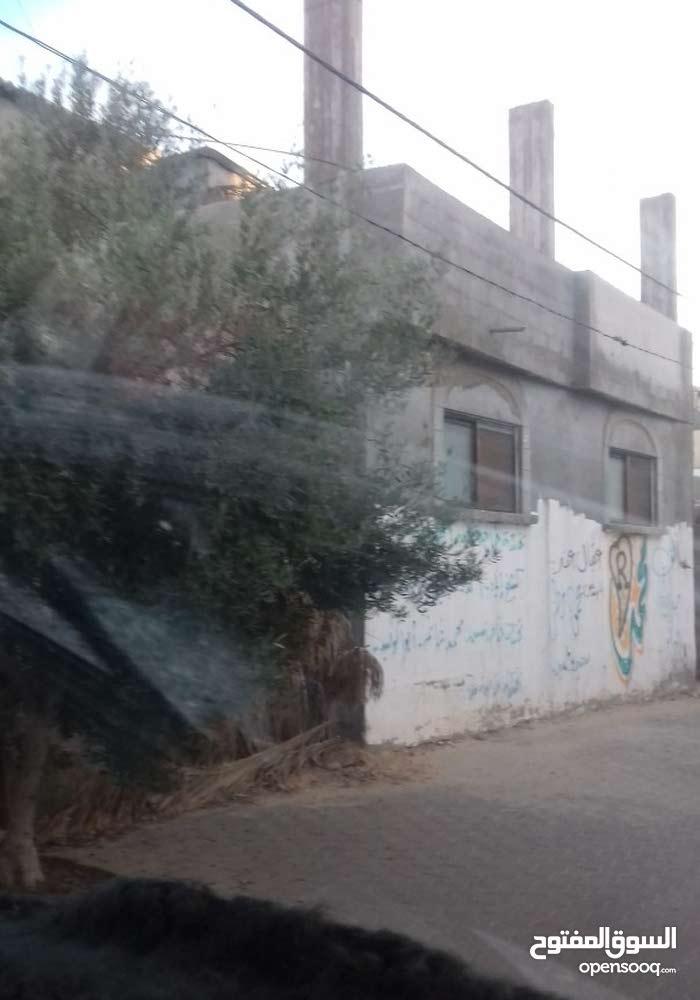 للبيع منزل في دير البلح باطون بناء جديد ارض مساحة 230متر