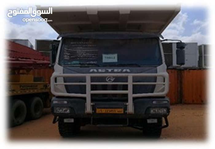 شاحنة استرا صندوق موديل 2009