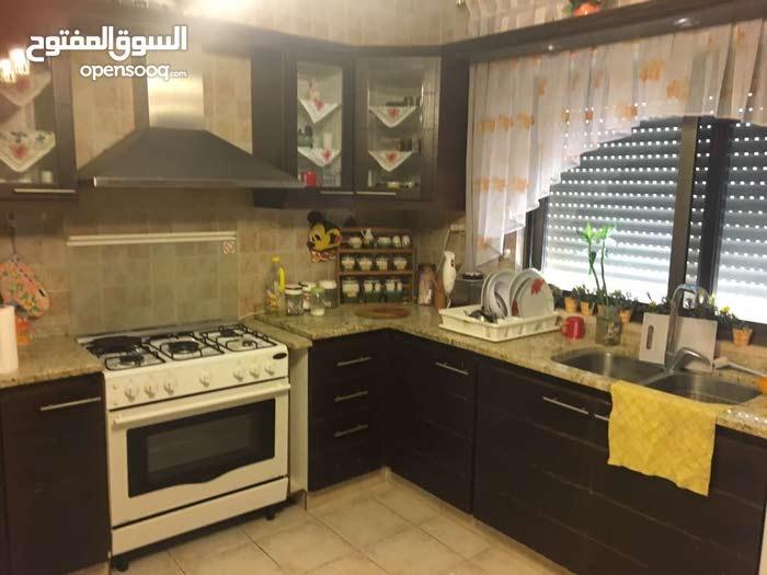 شقة مميزة جدا - للايجار في الدوار السابع - فخمة 180م