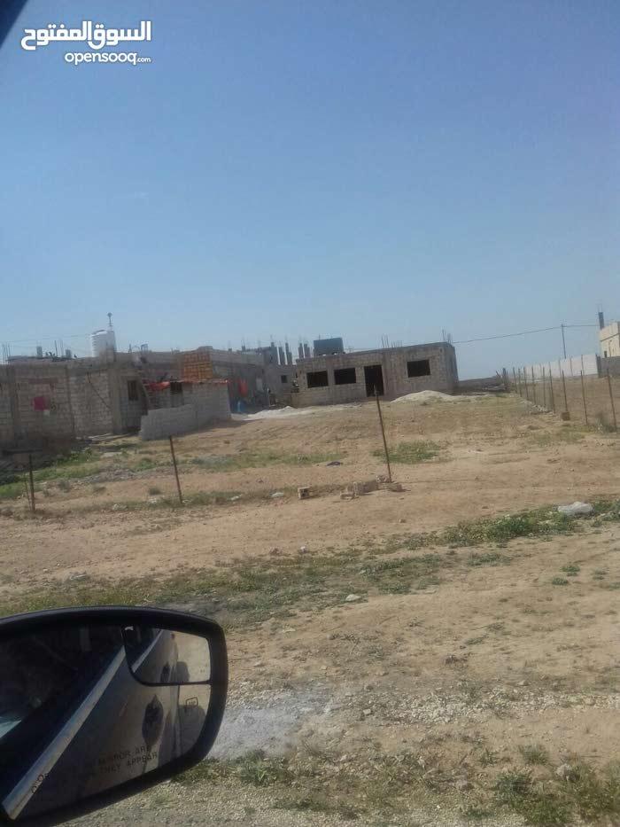 بيت مسطحه 120 م عظم على دونم ارض مشترك