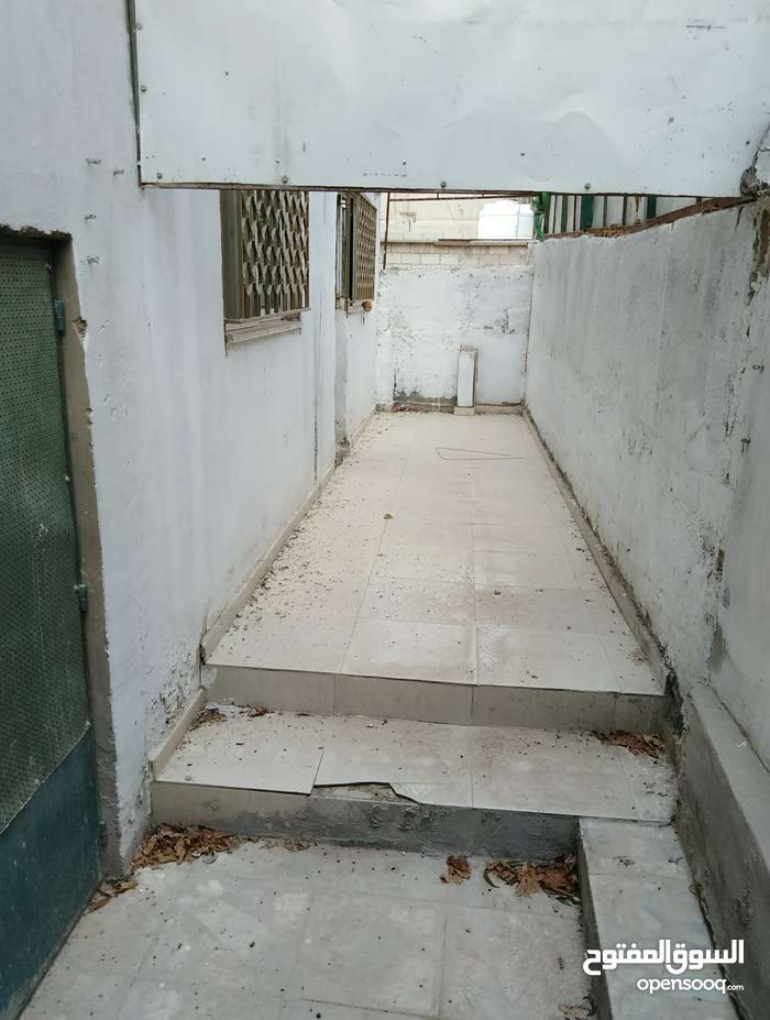 شقة طابق اول مقابل مخبز ابو موسى