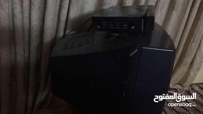 3 تلفزيونات للبيع مافيهم اشي