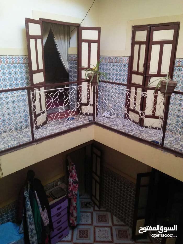 باب أيﻻن درب الحمام رقم 123